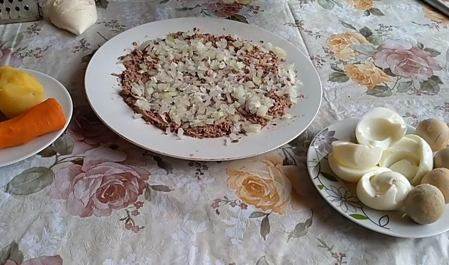 Рецепт невероятно вкусного слоеного салата