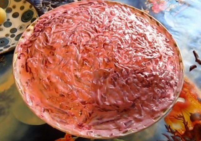 Оригинальный и вкусный рецепт салата со шпротами