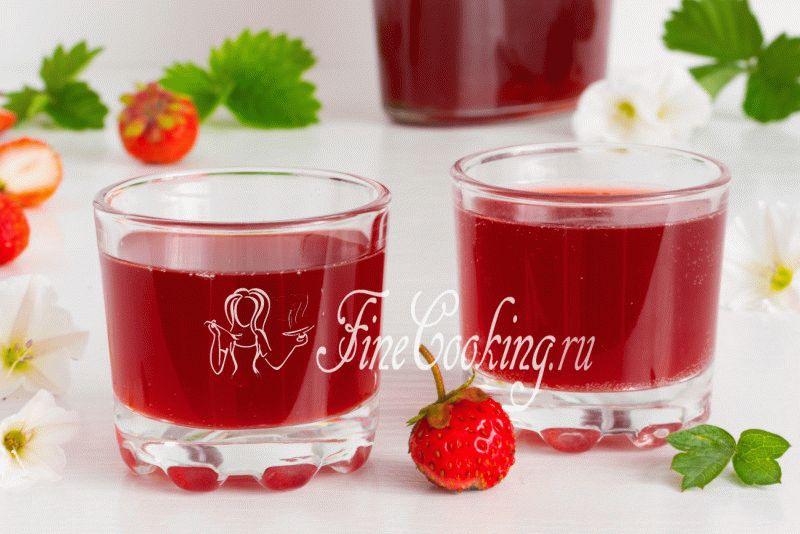 vinoizklubnikivdomashnixusloviyaxretsept_05599BF3.jpg